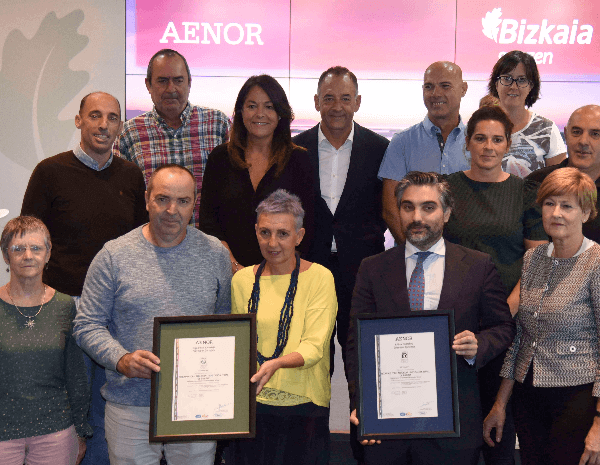 Biscay renews the quality and environmental management certifications that half of its beaches have